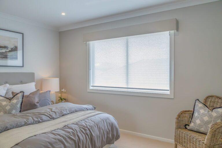 sun screen roller blind, roller blinds, roller blinds online, diy roller blinds, holland blinds, roller blind with pelmet